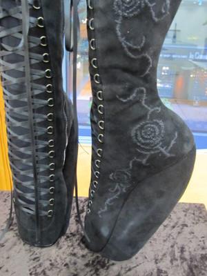 文化 靴 1ヨリ.JPG